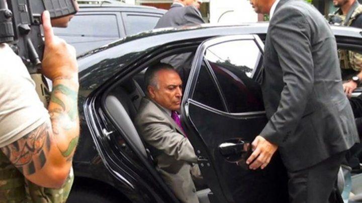 detención. El exmandatario al ser trasladado por las fuerzas de seguridad desde la ciudad de San Pablo a Río de Janeiro.