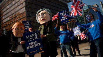 Dos millones de británicos pidieron que se revoque el Brexit