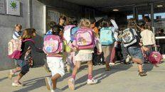 Una niña asistió a la escuela con una pistola cargada en la mochila