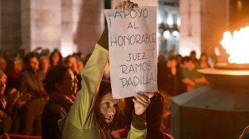 En el Monumento. Concentración en apoyo al juez Ramos Padilla.