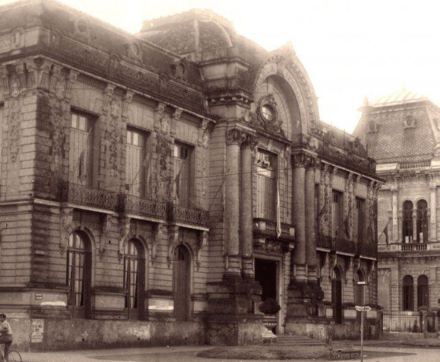 El edificio del Normal 2 en la década del 60.