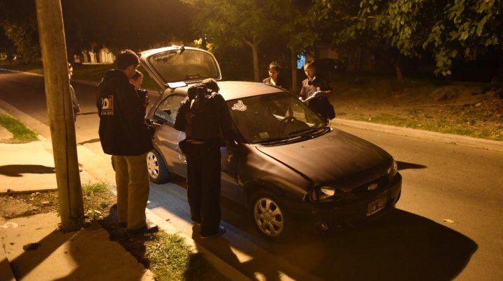 El vehículo en el que se trasladaba la víctima.