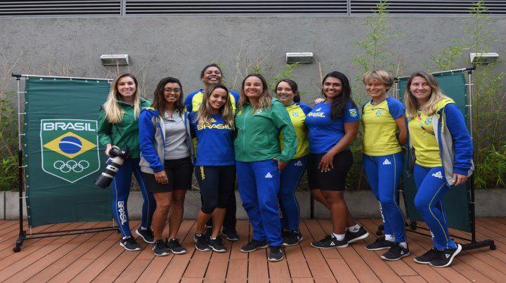 Conducción verdeamarelha. Un equipo totalmente femenino en comunicación y salud dirigió a los 62 atletas que vinieron.
