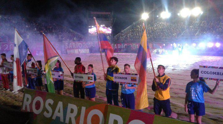 Los Juegos Suramericanos de Playa de Rosario tuvieron un cierre a todo ritmo y color