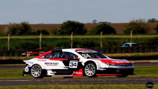 De Esperanza. Tomás González larga primero en el inicio de año con el Toyota.