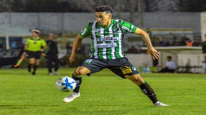 De la zona. Maxi López nació en Funes y está en Villa Mitre desde mediados de 2018.