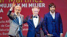 Bien acompañado. Imanol Arias le entregó el premio a Oscar Martínez en el Festival de Málaga, un honor.