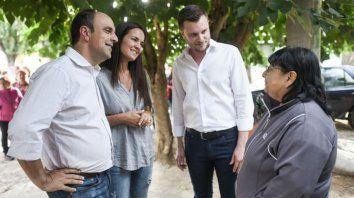 Corral dialogó con vecinos de La Cerámica y presentó su equipo