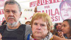 Antes de comenzar las audiencias. Alberto Perassi y su mujer, desde que desapareció su hija, no dejaron de pedir el esclarecimiento del caso.