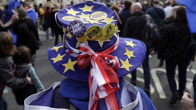 Los británicos piden votar un nuevo referéndum sobre el Brexit