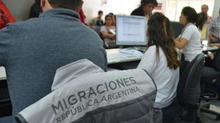 Expulsaron del país a un ciudadano peruano por tenencia de drogas