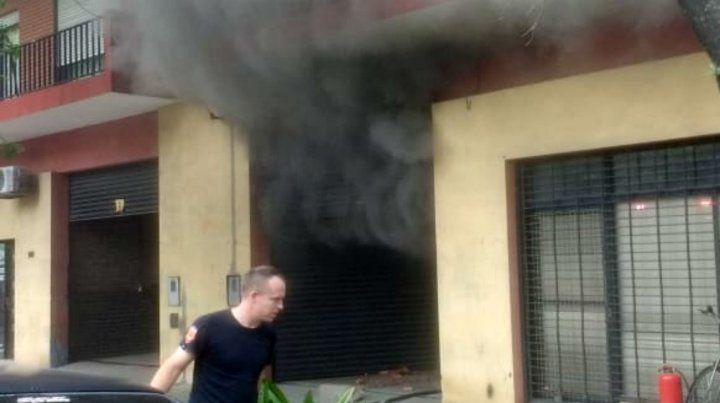 El incendio se desató en un estudio de fotografía de Amenábar al 1600.
