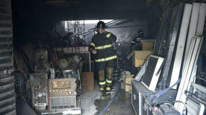 Se desató un incendio en un estudio de fotografía de barrio Hospitales