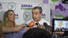 Pablo Javkin, junto a la candidata a concejala María Eugenia Schmuck.