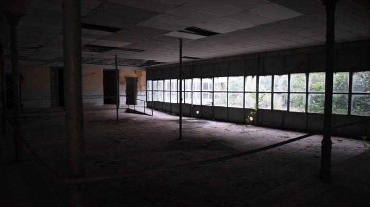 Proyecto. El gran salón que da a uno de los patios podría funcionar como comedor del refugio.