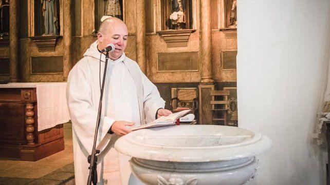 Un cura pidió un préstamo por Facebook para hacer frente a los gastos de su parroquia