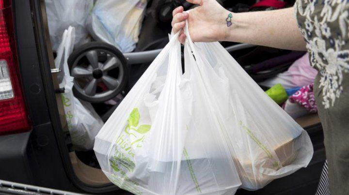 Los comercios de Nueva York no podrán entregar bolsas de plástico
