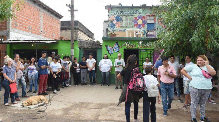 Vecinos de Tablada repudiaron el ataque a balazos a un centro cultural