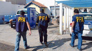 La seccional también. En abril de 2015 la Policía Federal allanó la comisaría 20ª por complicidad con Cárdenas.