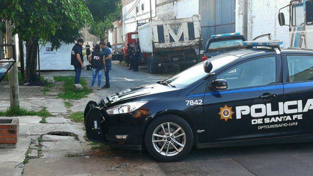 La Policía de Investigaciones trabaja en la zona en el pasaje Isaacs al 300 bis.