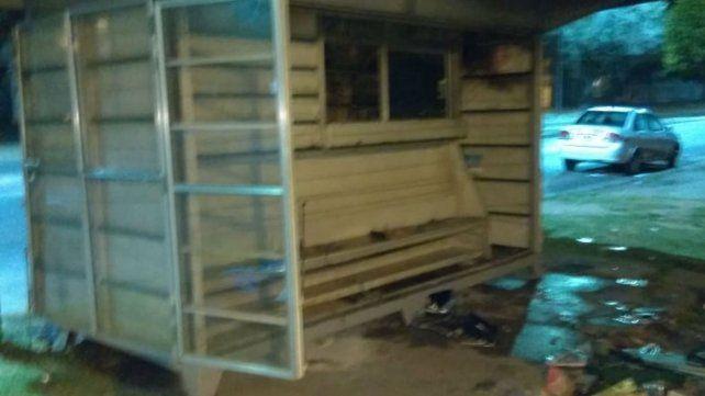 Prendieron fuego el kiosco del titular del Sindicato de Canillitas de Rosario