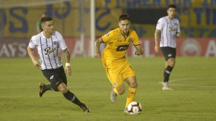 El debut. Rodrigo Villagra fue prolijo en el primer tiempo y luego se desdibujó.