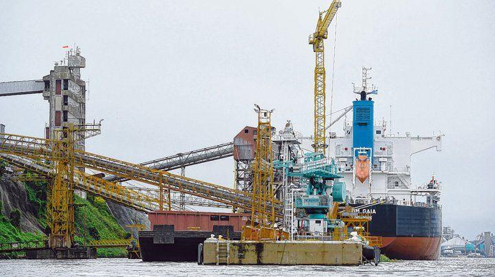 cambios. En 2018 bajó en número de buques de ultramar que ingresaron a los puertos pero creció el de barcazas.
