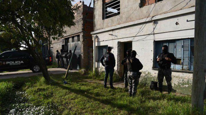 Efectivos policiales en French al 6900