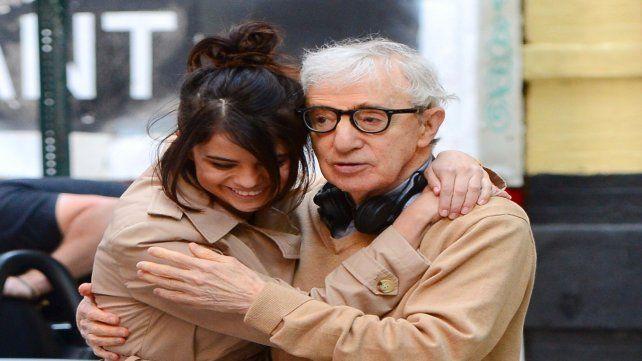Woody Allen y Selena Gómez en la filmación de A Rainy Day In New York