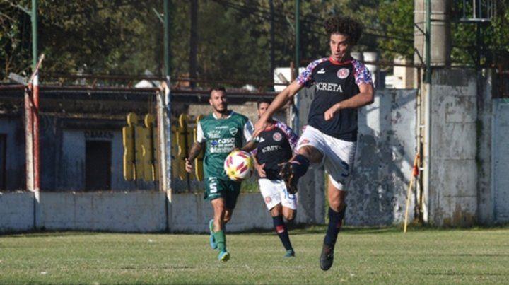 Afilado. Cereseto volvió anotar en el charrúa. El delantero lleva 13 goles en el torneo.