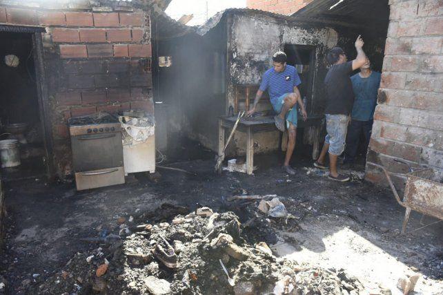 Incendió la casa de su exmujer y lo detuvieron con un bidón de nafta