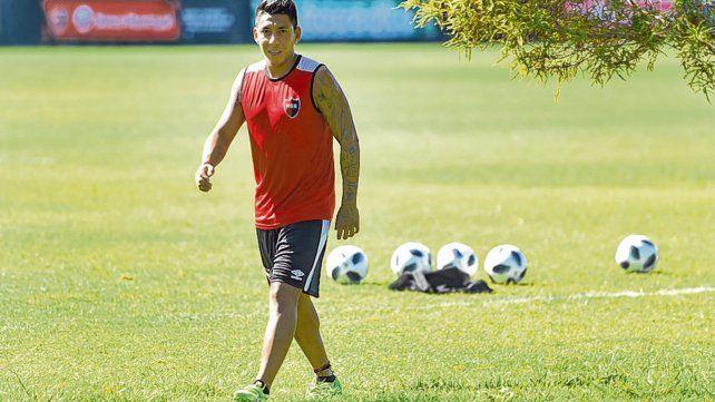 Ciclo fallido. Sarmiento jugó 19 partidos en Newells hasta que se fracturó el tobillo y no pudo volver a estar disponible.