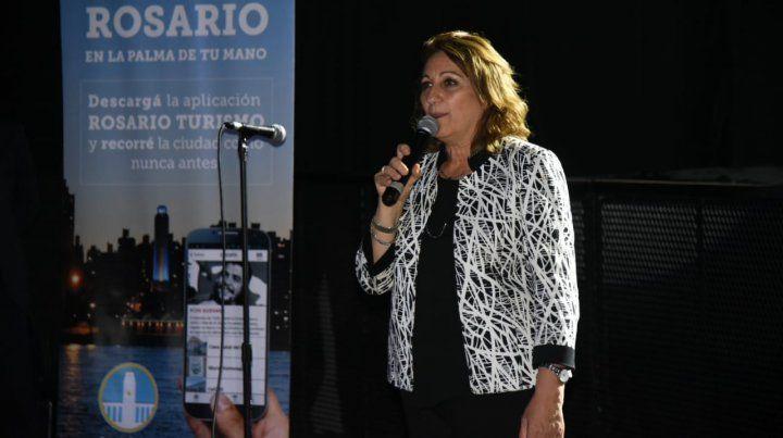La intendenta Mónica Feinparticipó de la firma de conveniospara la protección de la niñez.