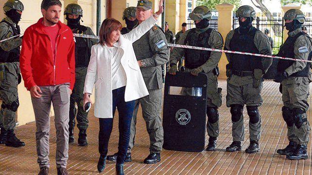 Juntos. Bullrich y Pullaro en un acto de incorporación de gendarmes.