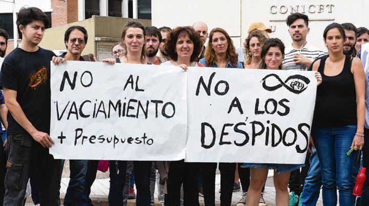 Reclamo. Los empleados del Conicet se manifestaron en Rosario.