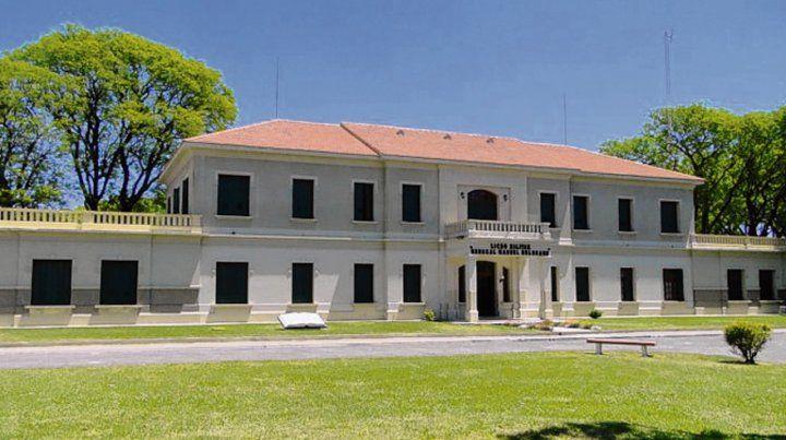 Liceo militar. Las autoridades del lugar denunciaron el caso.