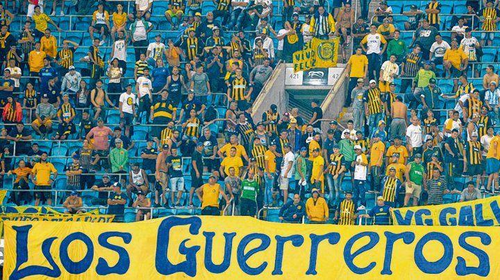 Bien canallas. Los hinchas auriazules ocuparon la bandeja alta del imponente estadio brasileño.