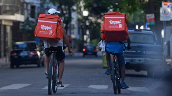 Una resolución de la Justicia porteña prohíbe el traslado en bicicleta de las empresas de delivery hasta tanto se adecuen a los requisitos del tránsito