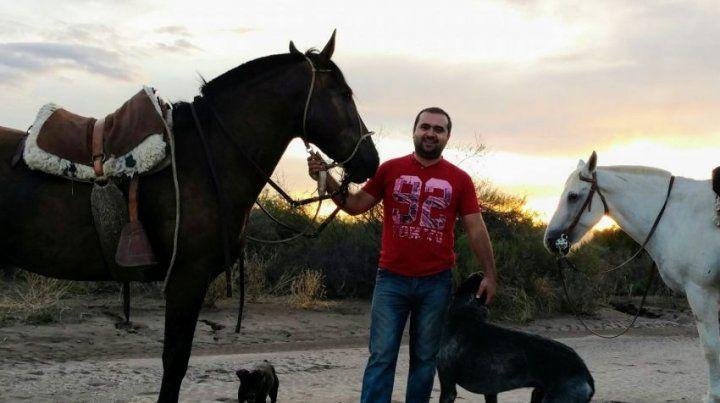 Les faenaron los caballos de la familia para comer la carne