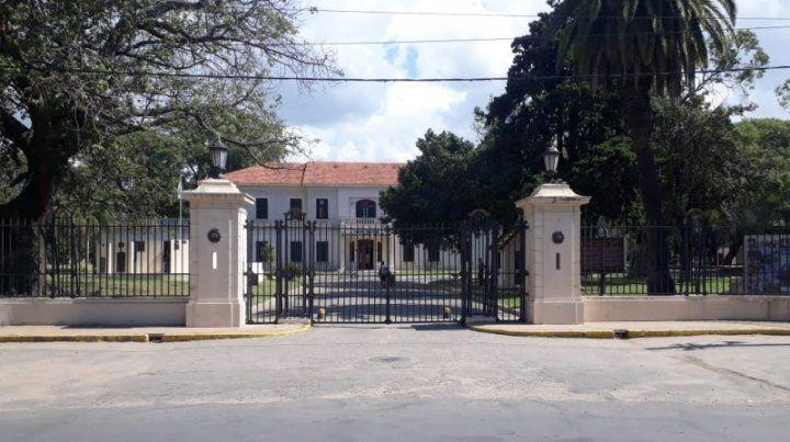 El hecho sucedió en el Liceo militar de la ciudad de Santa Fe.