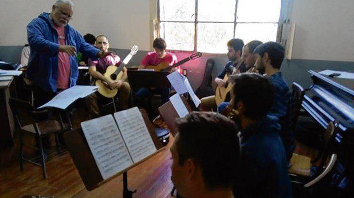 El desarrollo de una clase en la Escuela de Música de la UNR.