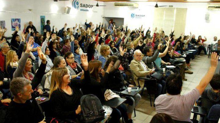Con un 90 por ciento de votos a favor, Sadop aceptó la oferta del gobierno provincial