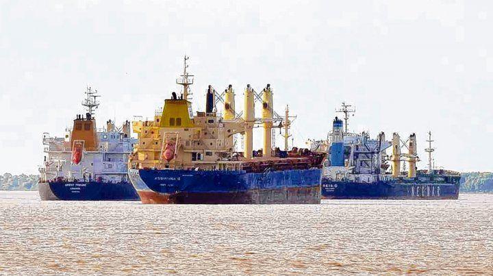 en la región. Los puertos del Gran Rosario mostraron las bajas más pronunciadas en volúmenes de embarque.