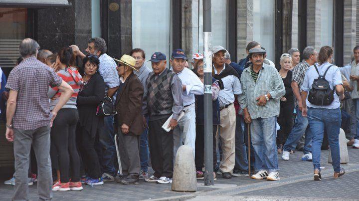 Estiman que el aumento anual de los jubilados será de 49,6 por ciento en 2019