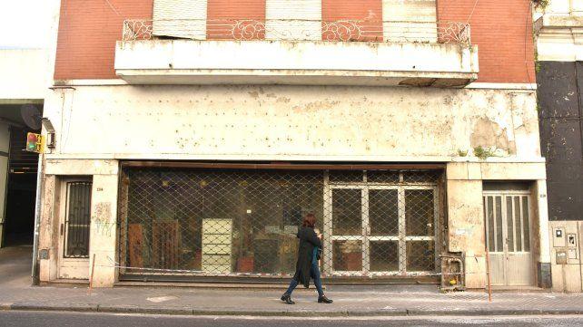 Mitre al 1100. El lugar donde funcionaba una panadería y se tuvo que actuar rápidamente. Colocaron una cinta perimetral.