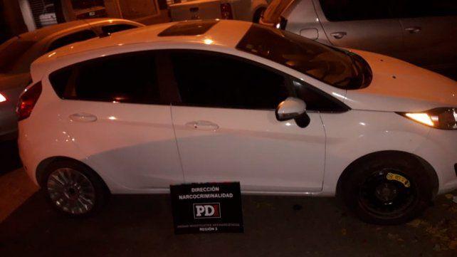El puntero. En este auto iba el policía detectando por controles ruteros.