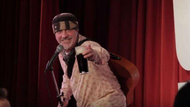 Ian Cognito sufrió un infarto en plena actuación y murió.