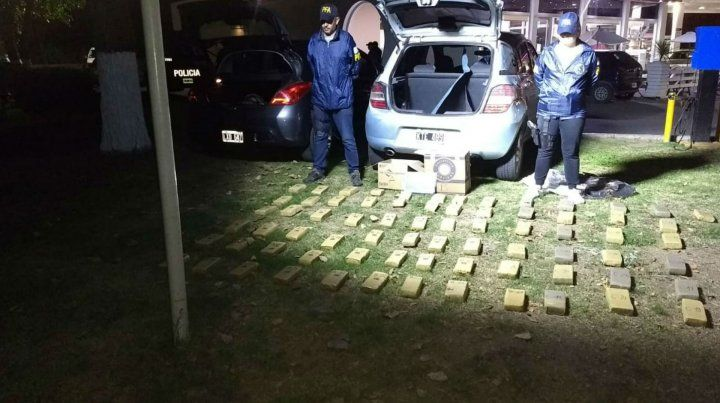 La droga secuestrada en el ingreso a Arroyo Seco
