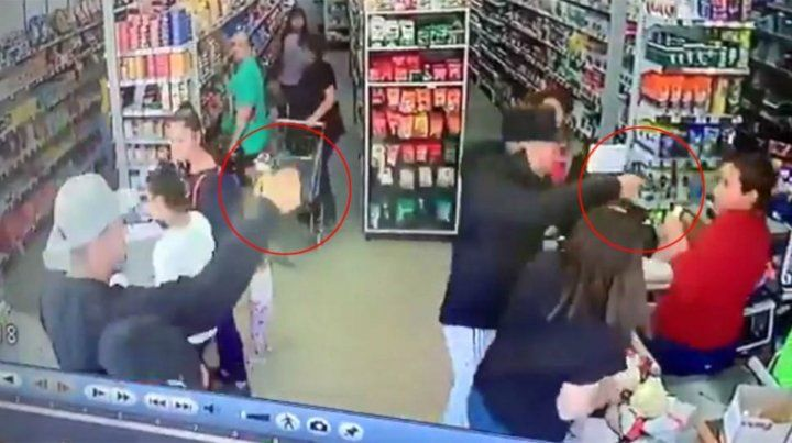 Violento robo a punta de pistola en un supermercado de Burzaco