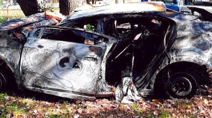 El Chevrolet Prisma. Aquí murieron calcinadas las cinco personas